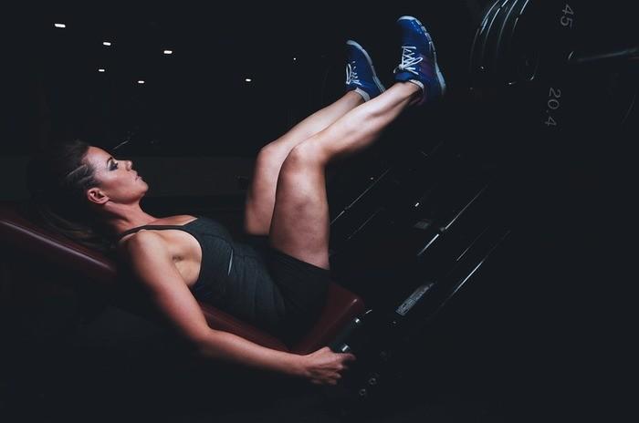 【男女別】腹筋ダイエットのやり方・回数・時間|産後