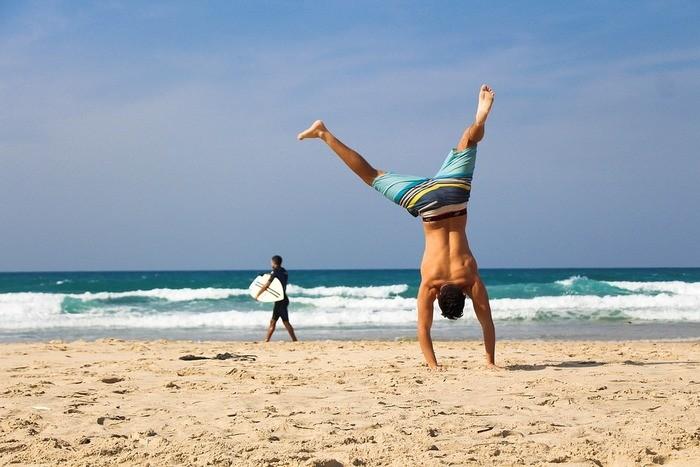 【位置別】男のくびれの作り方・トレーニング方法|筋トレ