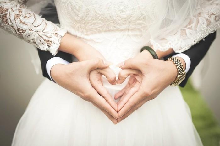 【夢占い】元彼の結婚の夢を見る意味12選!見た後にすべきこと