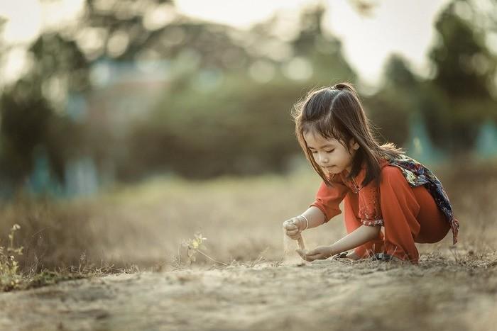 女の子の名前「おと」と読む漢字35選!意味と画数の名付け一覧