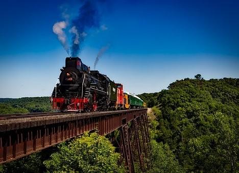 旅の夢占いの意味と心理|準備・支度/計画/列車/子猫/宇宙