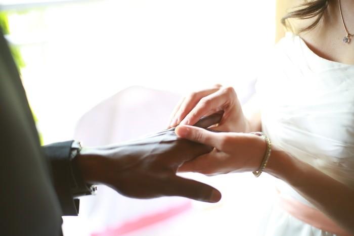 結婚式の受付へのお礼の金額相場・封筒の書き方・メッセージ
