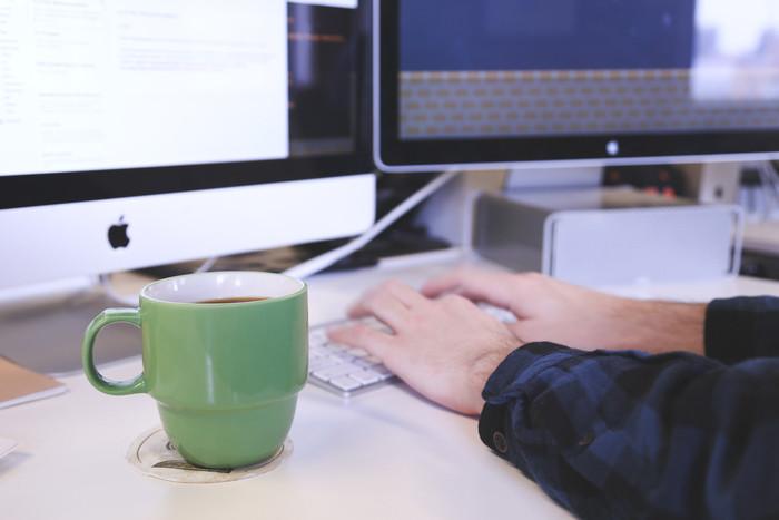 Javaとは|言語の特徴/できること/ メリット・デメリット/勉強方法