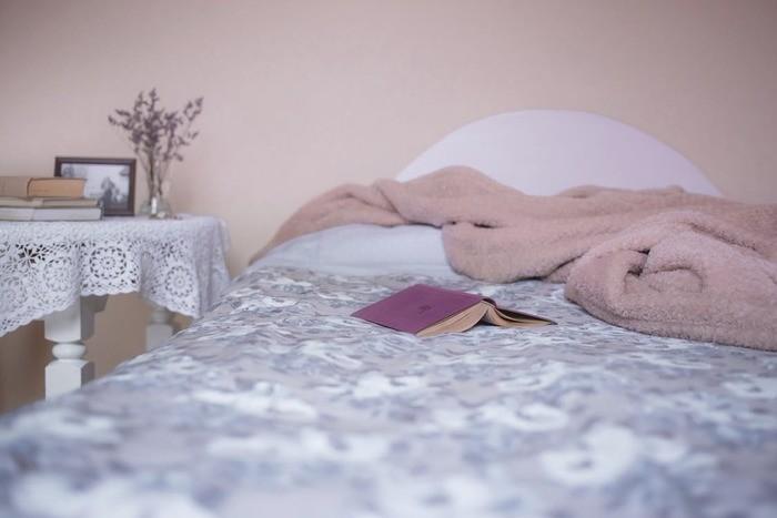 彼女の寝顔を見た時の男性の本音5コ・かわいい寝顔の方法9コ