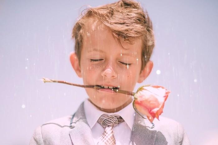 「こまっしゃくれた」の意味と使い方・方言・語源・類義語|子供