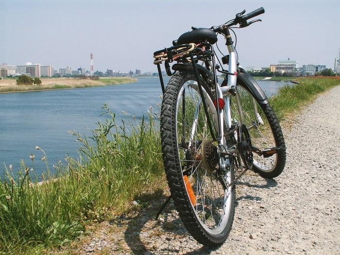 【男女別・季節別】自転車に乗る時・通勤する際の服装