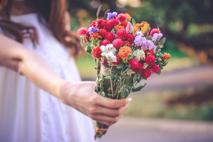 【夢占い】結婚の夢を見たときの意味36選|人間関係を表す?