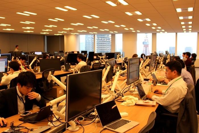 Slackは、1,500チャンネル。切磋琢磨できる仲間と共に支え合い、仕事を進められる環境がある。