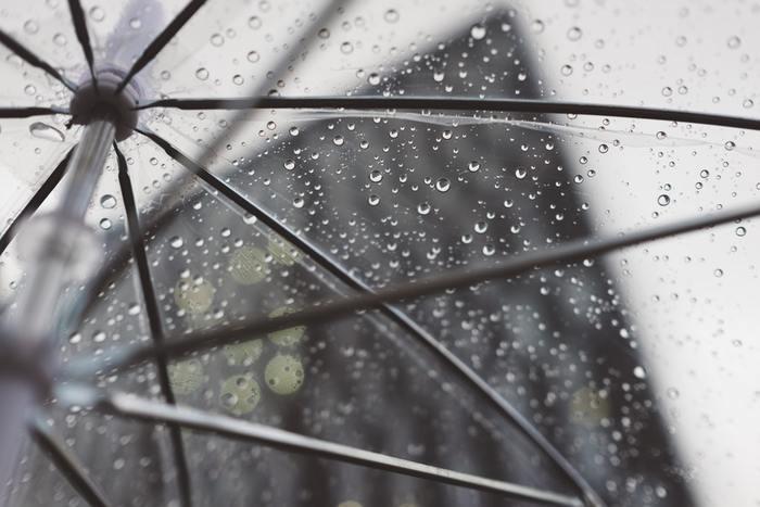 【男女別・季節別】自転車通勤の時の服装|スーツ/ユニクロ/雨の日