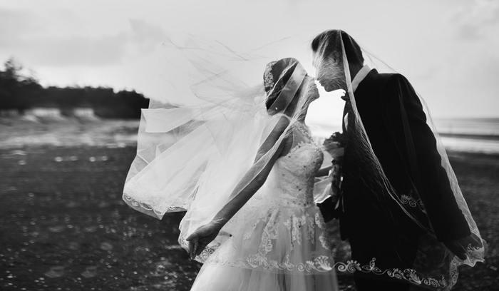 【関係別】結婚式の招待状に返信メッセージ例文