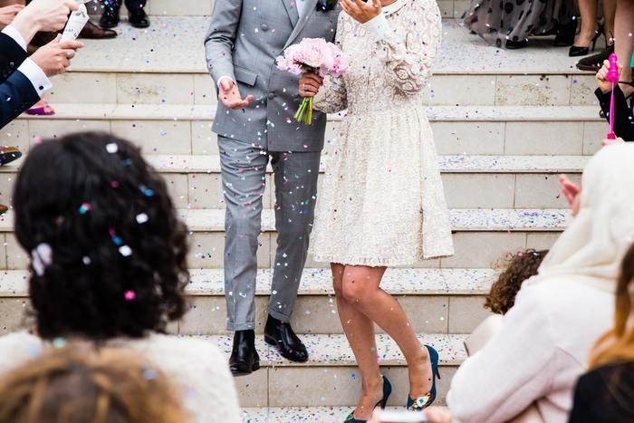 【メンズ・レディース別】結婚式での靴と靴下のマナー|色